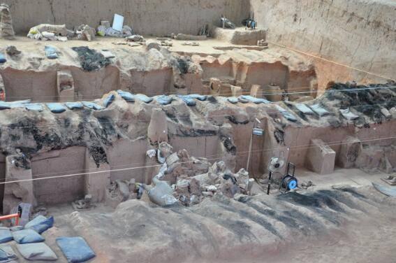 兵马俑坑下面是什么?还有文物和古墓吗?考古专家:决不能往下挖