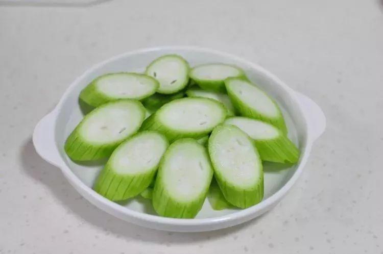 好豆:时令丝瓜花样吃,零难度,超快手,新手也轻易学会~